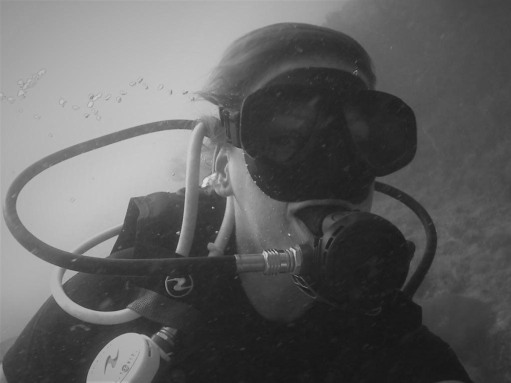 Ellis scuba diving